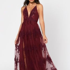 ANALISE WINE PLUNGING FLORAL MAXI DRESS